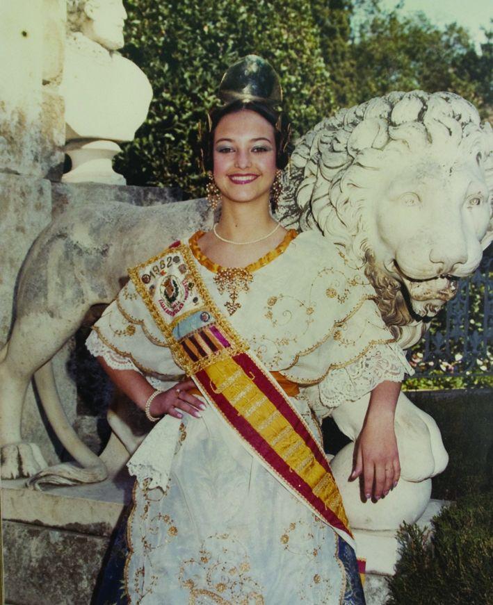 Fallera Major Any 1982: Mercedes Villaseñor Martínez
