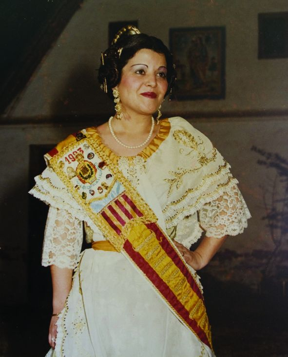 Fallera Major Any 1983: Francisca Marín Acebrón