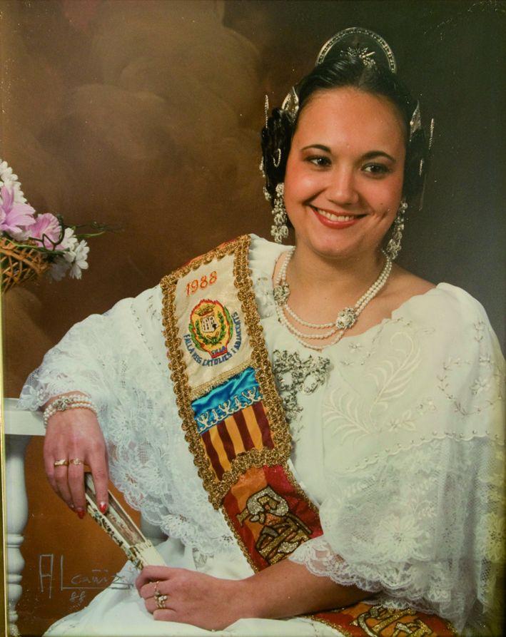 Fallera Major Any 1988: Loli Prieto Juan
