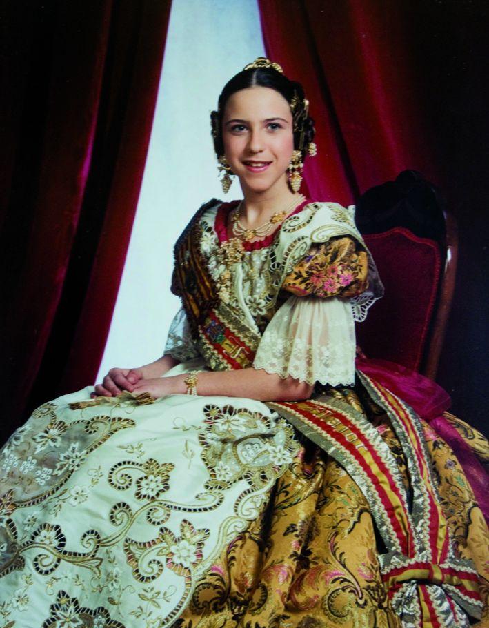 Fallera Major Infantil Any 2001: María Dolores Brocal Ruiz