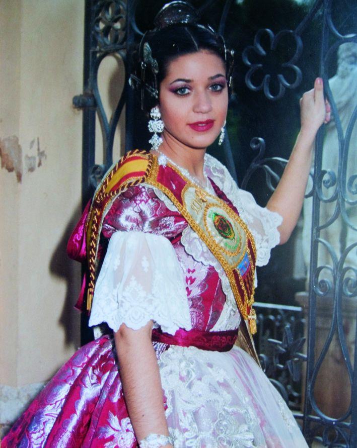 Fallera Major Any 2004: Amparo Vanessa Agudo López