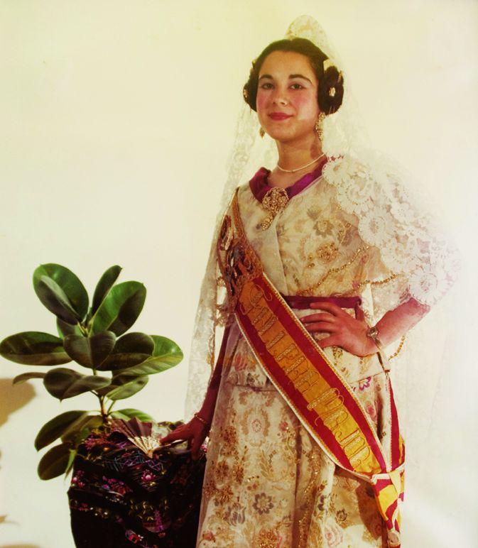 Fallera Major Any 1981: Mari Carmen Muñoz Fernández